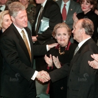 "Bosnian leader: Srebrenica was ""arranged genocide"" between US president Clinton and Bosnian president Izetbegovic"